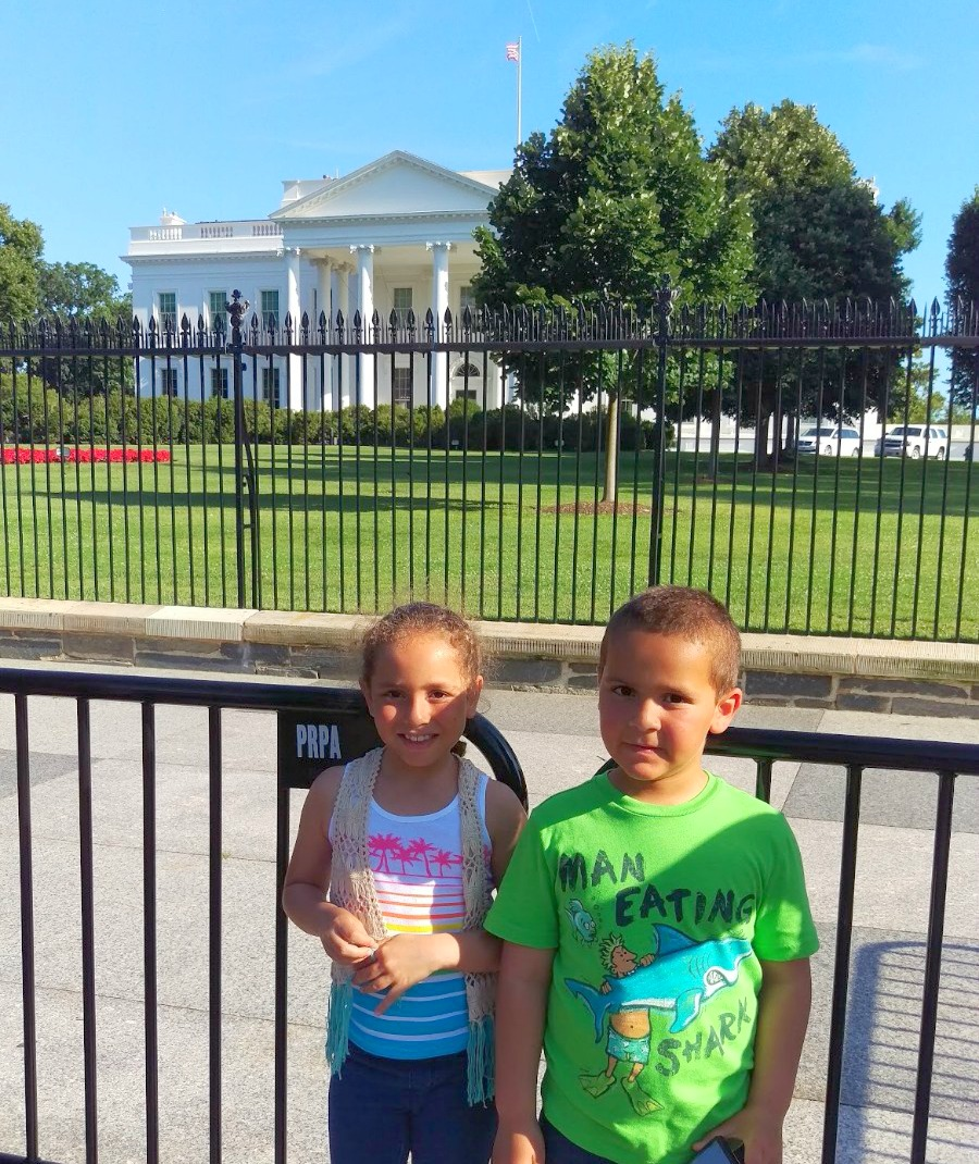 Kids in front of the White House